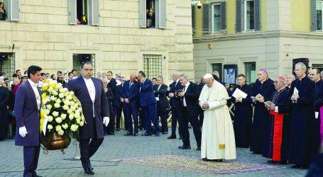 L'Angelus del Papa nella festa della Madonna Immacolata