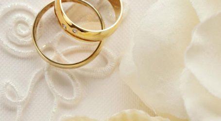 Il Comune festeggia le nozze d'oro, di diamante e di ferro