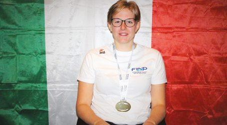 Chiara Cordini campionessa di nuoto paralimpico