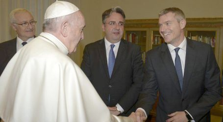 Sala Stampa della Santa Sede: Papa Francesco nomina Matteo Bruni direttore