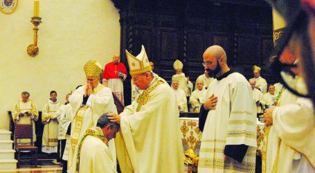 Mons. Vittorio Viola da 5 anni vescovo