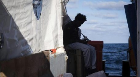 Papa ai leaders europei: solidarietà concreta ai migranti in mare