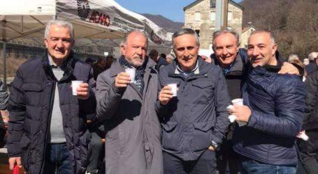 """La tradizionale sosta della """"Milano-Sanremo"""" a Masone"""