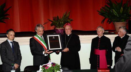 Monsignor Sergio Pagano è cittadino di Sant'Agata Fossili
