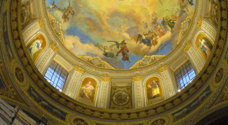 Alla scoperta degli affreschi di Morgari e Gambini