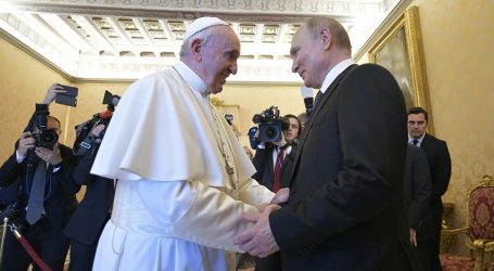 Putin a Roma: quasi un'ora di udienza con il Papa