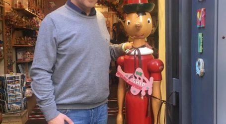 Pinocchio deve andare a scuola