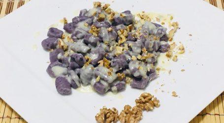 Gnocchi viola con gorgonzola e noci