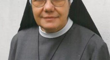 L'ultimo saluto a suor Maria Assunta, suor Teresa e suor Mariangela