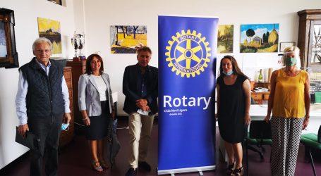 150 visiere alle scuole donate dal Rotary