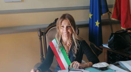 Paola Garlaschelli è il primo sindaco donna di Voghera