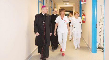 Il vescovo: «Cerchiamo insieme la soluzione per il bene dei cittadini»