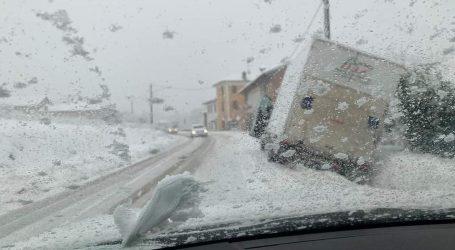 Neve: traffico in tilt, disagi su tutti i territori