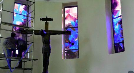Riecco le vetrate di Padre Costantino